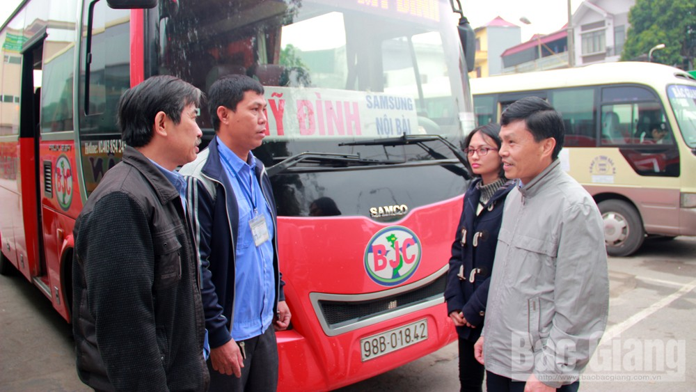 Vận chuyển hành khách dịp Tết: Dự phòng phương tiện, giá vé không tăng